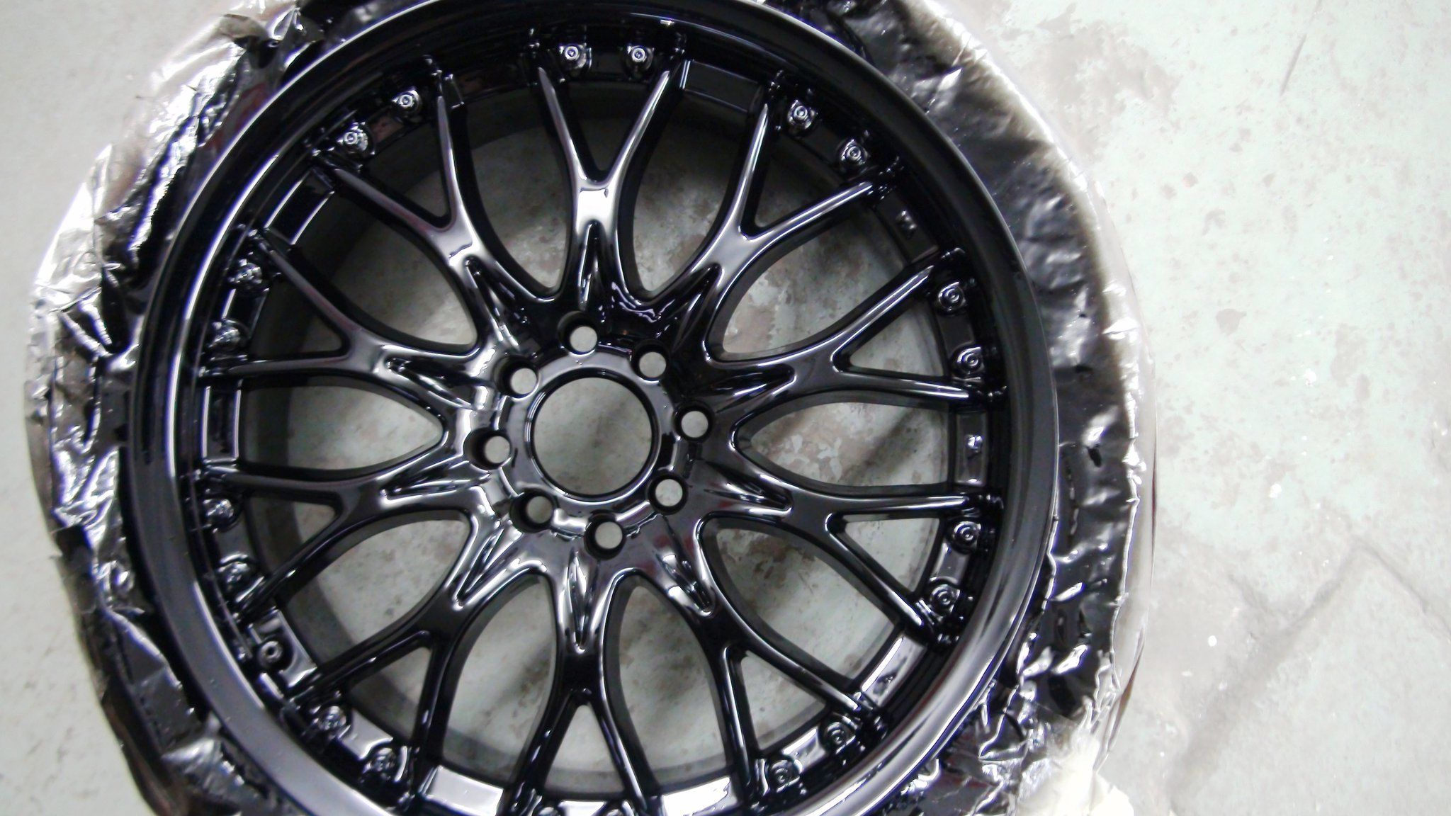 Black Gloss Spray Paint For Alloy Wheels