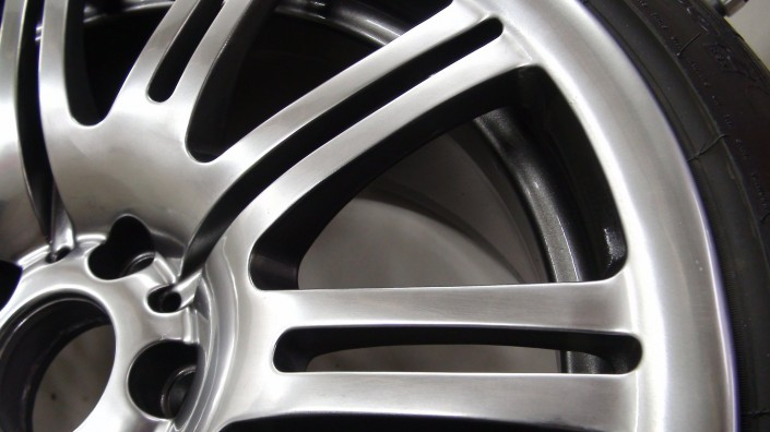 Shadow Chrome Alloy Wheel painting Nottingham, Derby & Long Eaton