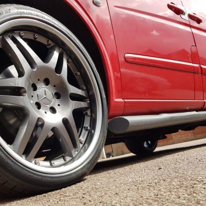 Mercedes split rim alloy wheel refurbishment and painting
